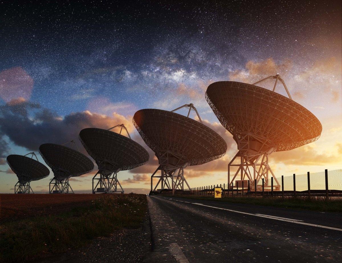 111 - NASA nın  Dünya Merkezinden Aldığı Radyo Sinyalleri