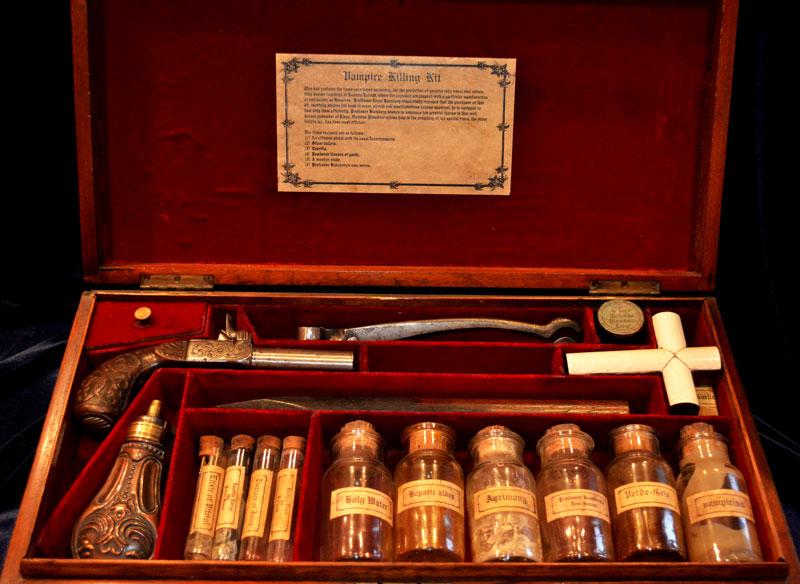 Vampire Killing Kit Display Model - Vampirler  Büyükada Da Mı ?