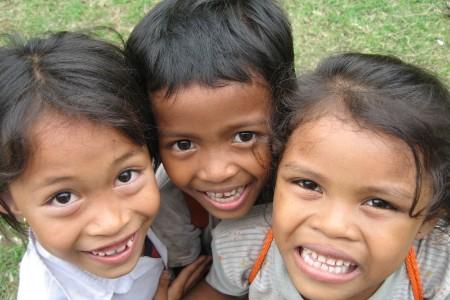 Smiling kids Music Drama and Dance in Cambodia - Elm Sokağı Kâbusu Freddy Krueger Gerçek Mi ?