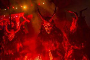 566fd3621600002c00eb8d16 300x200 - Yeni Yıl Şeytanı Noel Babanın Şeytani Yardımcısı Krampus