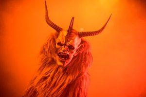 nintchdbpict000281853977 300x200 - Yeni Yıl Şeytanı Noel Babanın Şeytani Yardımcısı Krampus