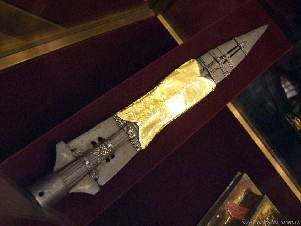 264809 the spear of destiny 1024x768 h 1024x768 - Nazilerin Karanlık Dünyasının  13 Sırrı