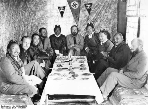 bundesarchiv bild 135 ka 10 072 tibetexpedition empfang fc3bcr wc3bcrdentrc3a4ger - Nazilerin Karanlık Dünyasının  13 Sırrı