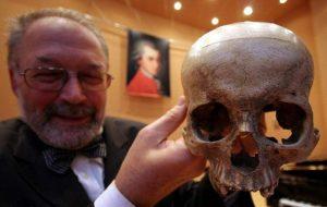 moz02 300x190 - Mimar Sinan'ın Kayıp Kafatası Nerede. Kayıp mı, Yoksa Bir Tarikatın Elinde Mi ?