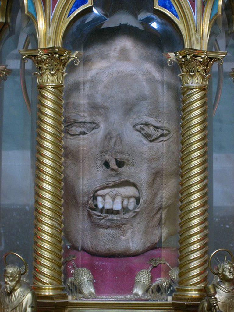AZİZ ŞEHİT YADİGAR LAWRENCE 768x1024 - Katoliklerinin Garip Kutsal Kalıntıları