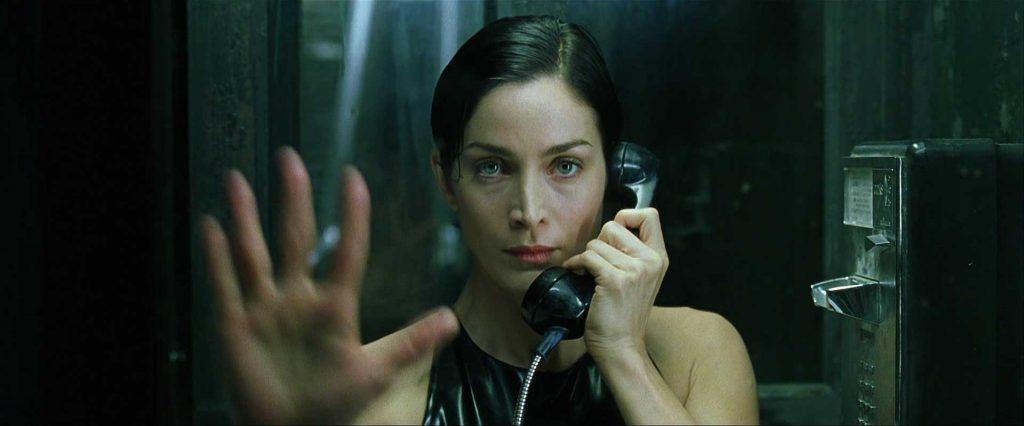 matrix phone 1024x426 - Kendi Mezar Taşı Olan Yalnız Telefon Kulübesi Mojave
