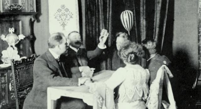 OuijaoldphotosLSUniversal - Cadı Tahtası Ouija
