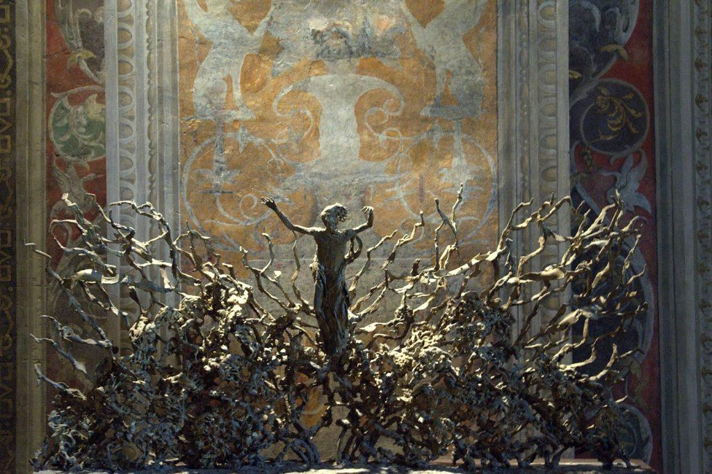 La Resurrezione The Resurrection by Pericle Fazzini in Vatican Museum 1024x681 - Vatikanın Karanlık Sırları Ve Papa'nın Seyirci Salonundaki Gizli Reptilian Sembolleri