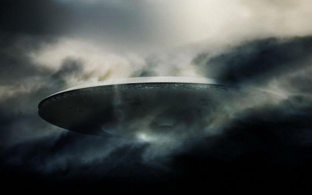10190 Dark Ufo www.WallpaperMotion.com  1024x640 1 - Atlantik Okyanusun'da Denizaltının Kaydettiği Gerçek Ufo Görüntüleri