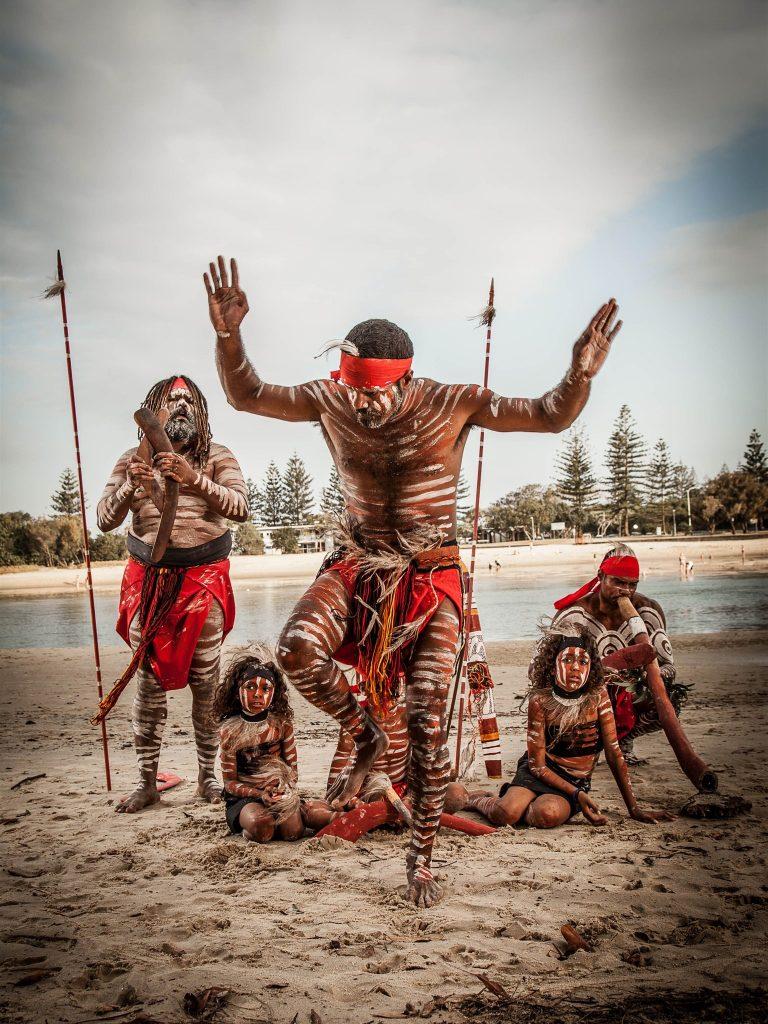 jellurgal aboriginal cultural centre tours and information hub 9524796 768x1024 - Göbeklitepe'yi Aborjinler mi Yaptı ?