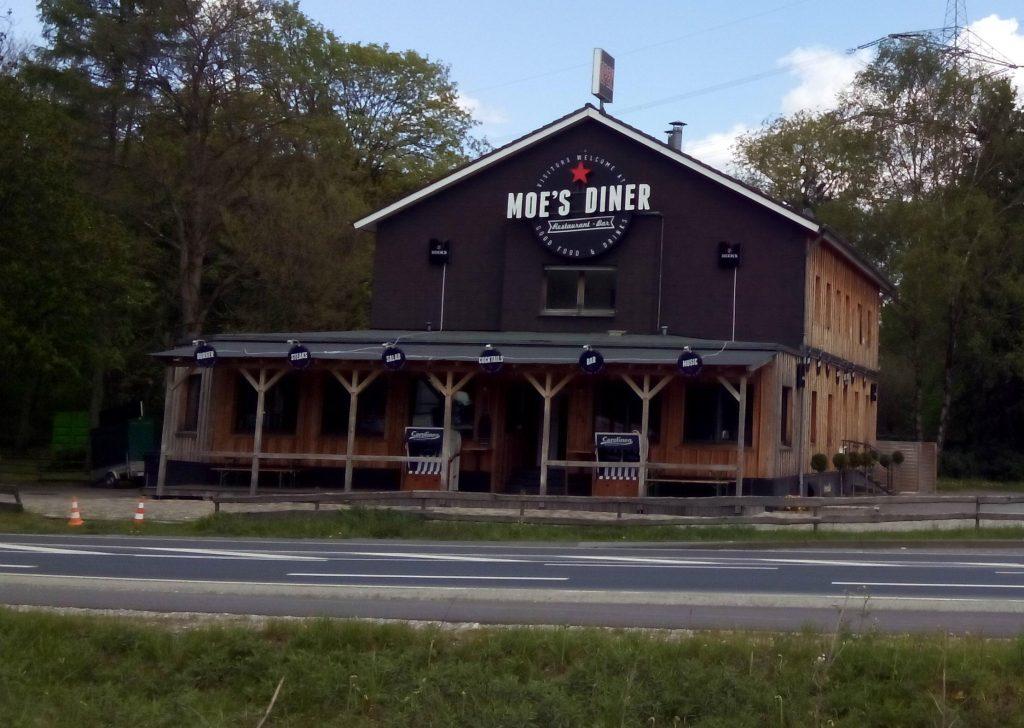 American Road Restaurant in Germany 1024x728 - Diğer Boyutlara Geçen İnsanlar