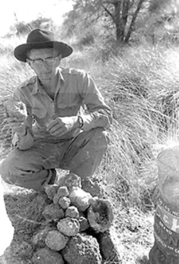 chuck Quinn encontró unas geodas en el lugar - Diğer Boyutlara Geçen İnsanlar
