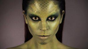 maxresdefault 300x169 - 12 Milyon Amerikalı Dünyanın Kurallarını Reptilianların Belirlediğine İnanıyor