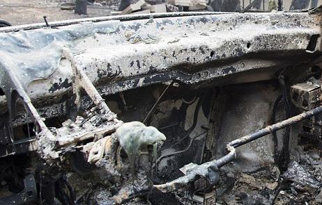 4E877EDA00000578 5984481 Dozens of cars and houses have been destroyed by the wildfire at a 344 - Yunanistan'daki Yangın Lazer Silahı İle Mi Çıkartıldı?