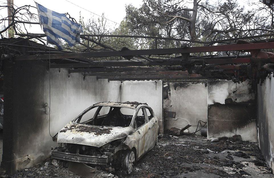 4E88761400000578 5984481 image a 7 1532426539270 - Yunanistan'daki Yangın Lazer Silahı İle Mi Çıkartıldı?