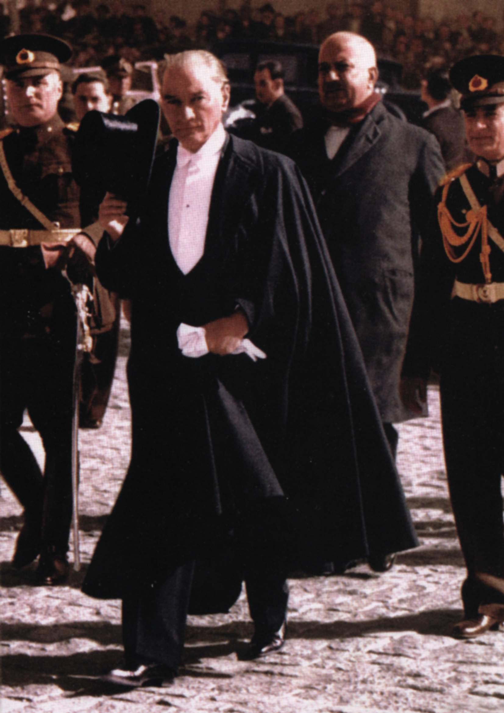 ata22a - Atatürk'ün Kadim Türk Teşkilatı İle Gizli Buluşması