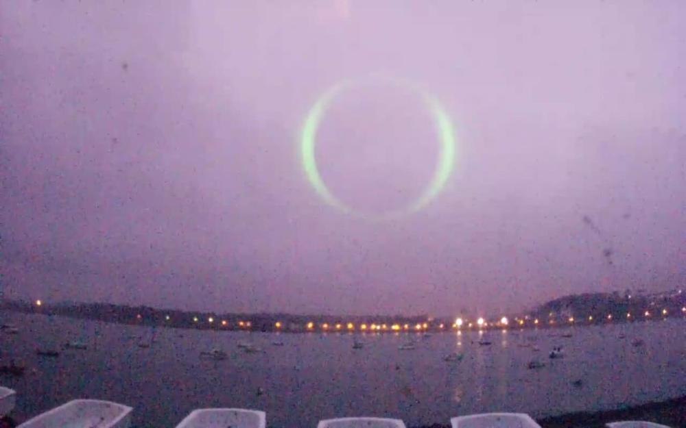 img 1192 - Fransa Sahilinde Gökyüzünde Açılan Yeşil Portal Fenomeni